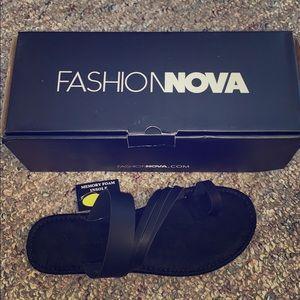 All black sandals 🖤 NWT